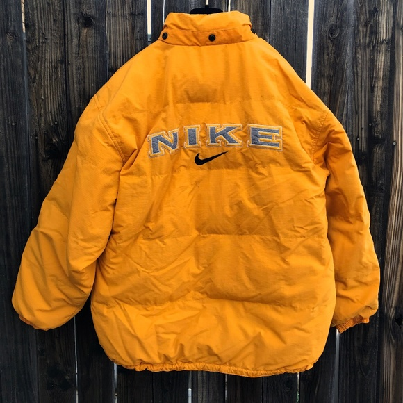 91bd73b3cd30 Vtg 90s NIKE White Tag Retro Winter Jacket. M 5bfb7366c89e1d065fc1602e